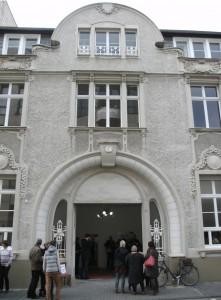 Im Nedelmannhaus: Feine Kunstadresse Ecke Delle/ Ruhrstr. 3 in Mülheim, nicht nur für Sammler – viele spannende Ateliers verbergen sich hinter der imposanten Fassade und laden zum Fachsimpeln und Kunstkauf ein - hier fühlte sich schon <strong>Tengelmann-Gründer Wilhelm Schmitz-Scholl</strong> wohl !