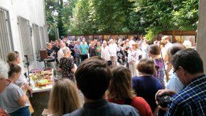 Großer Andrang bei der Vernissage am 9. Juli 2017. Über 300 Besucher strömten durch die Ausstellung