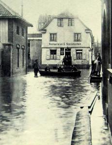 MH_Ruhrstrasse_3_Torbogen_Hochwasser_1927