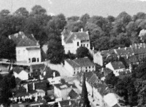 oben Casinogebäude (li.) Villa Nedelmann (re.) Mitte Ruhrstr. 1 daneben Ruhrstr. 3 Glockengiebel