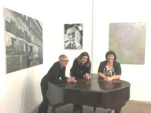v.l.n.r. Cornelia Wissel, Martina Hengsbach und Heidi Becekr vor ihren Arbeiten in der Galerie an der Ruhr - Ausstellung FIG(urativ) INT(erieur) ABS(trakt) - Foto:Ivo Franz