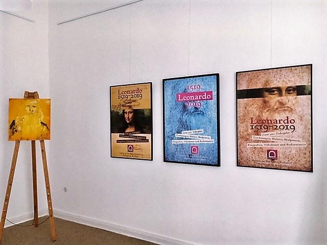 Links Beitrag von Lukas Benedikt Schmidt, daneben die Plakatentwürfe zum Leonardo da Vinci - Jahr 2019 von Klaus Wiesel